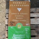 Fournitures pour plantation : tuteurs, paillages, terreau